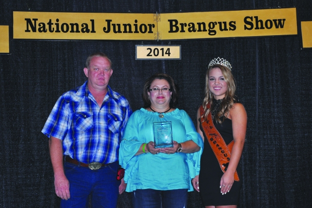 Veronica Munoz (center) receives the Georganne Myers Award from Ray Smith (L) and Kourtney Gardner (R).